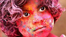 Bei Holi sind alle gleich: Inder ziehen in die Farbenschlacht