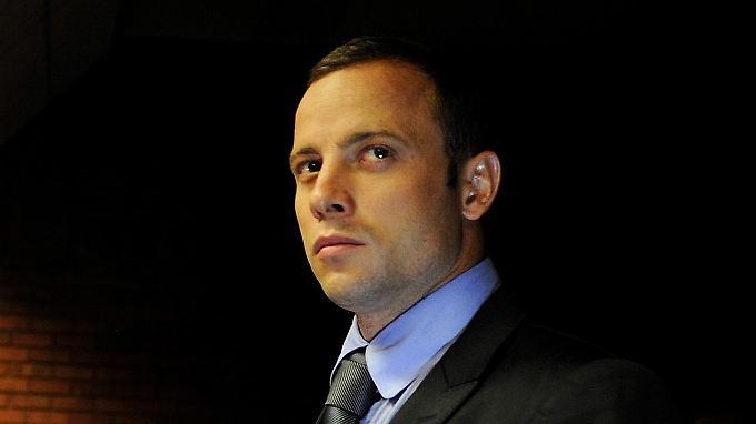 Oscar Pistorius bestreitet bislang den gegen ihn erhobenen Vorwurf des Mords an seiner Freundin Reeva Steenkamp.