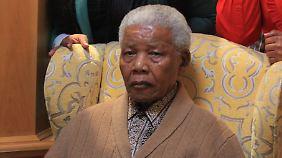 Mandela gilt neben Martin Luther King als wichtigster Vertreter im Kampf gegen die weltweite Unterdrückung der Schwarzen.