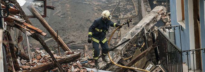 Fünf Gebäude stürzten nach dem Feuer ein.