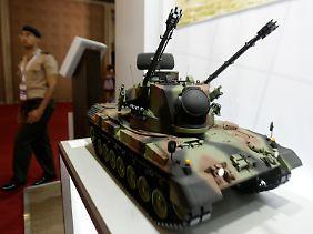 Waffenschau in Rio (Modell): Mit deutschen Panzern wollen die Brasilianer Terrorangriffe abwehren.