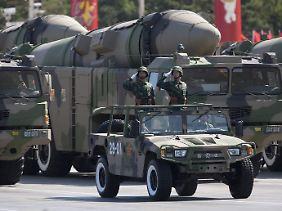 Militärparade auf dem Pekinger Tiananmen-Platz.