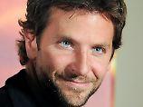 Sexiest Man Alive und bester Filmküsser: Bradley Cooper lebt Tür an Tür mit Mutti