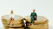 Riskantes Geschäft: Bei Genussscheinen werden Anleger am Gewinn beleitigt - in der Regel nehmen sie aber auch am Verlust teil.