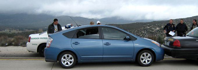 """Der so genannte """"Runaway-Prius"""" nachdem er durch einen Polizeiwagen gestoppt wurde."""