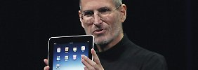 "27. Januar 2010: Apple-Chef Steve Jpbs präsentiert in San Francisco ein neues Produkt namens ""iPad"" (Archivbild)."