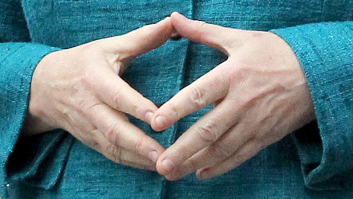 Merkel Fingernägel