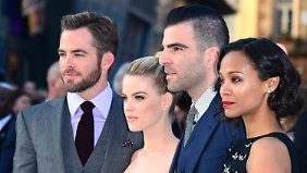 Chris Pine, Alice Eve, Zachary Quinto und Zoë Saldana bei der Filmpremiere in London.