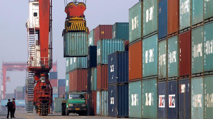 Die Umsatzvolumina in Chinas Seehäfen, wie hier in Tianjin, entsprechen nicht den Exportzahlen.