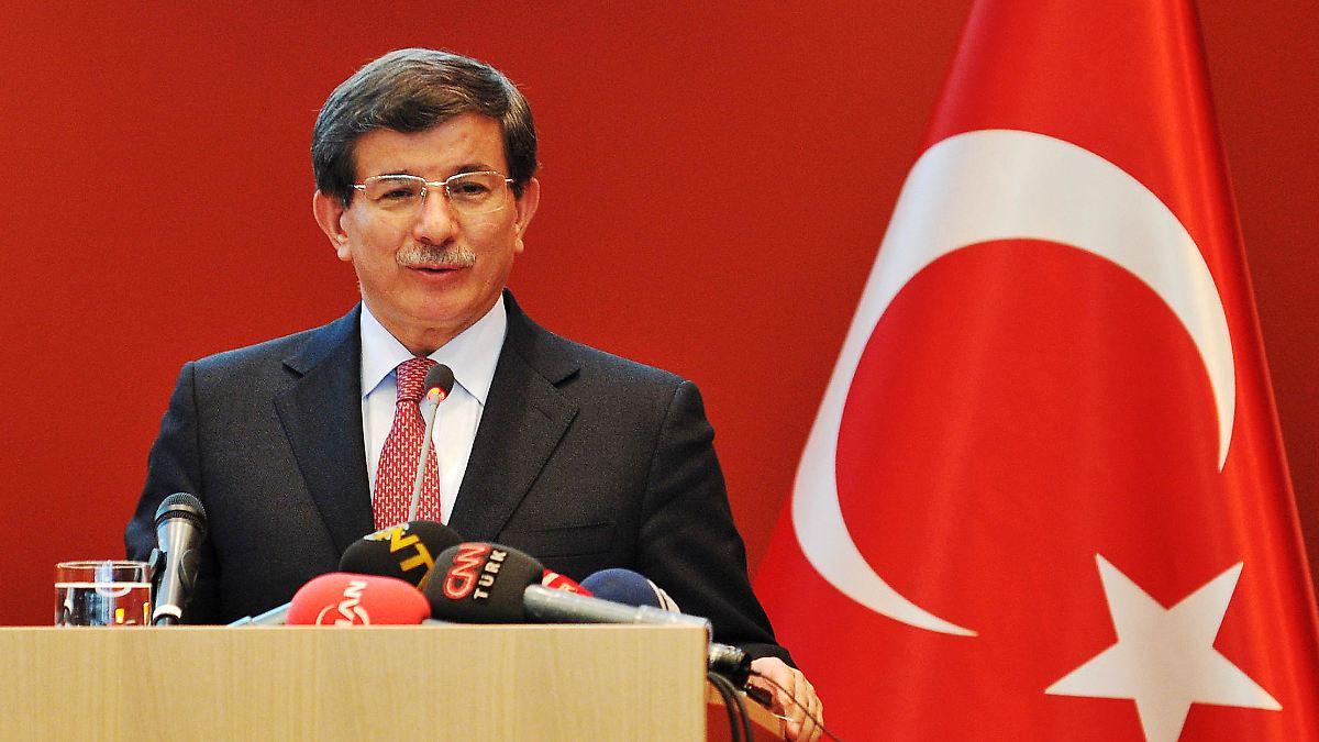 Türkischer Minister sagt NSU-Opfern Hilfe zu