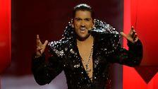 ...dem Schmalspur-Casanova im Dracula-Outfit aus - wie passend - Rumänien, war fast alles vertreten.