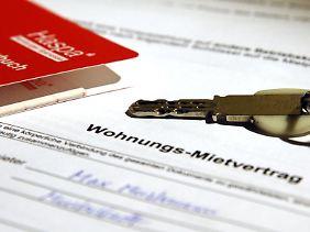 Mieter sollten die Rückzahlungsforderung der Mietkaution nicht auf die lange Bank schieben.