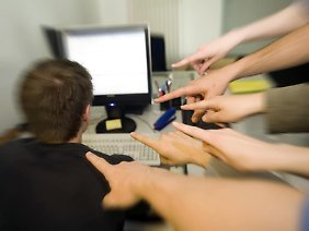 Wollen Arbeitnehmer wegen Mobbings Schmerzensgeld einklagen, müssen sie ihre Vorwürfe beweisen.