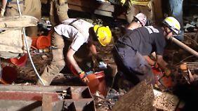 Suche nach Tornado-Überlebenden: Retter wühlen sich durch das Trümmerfeld von Moore