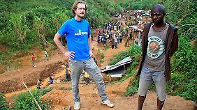 Fairphone-Chef Bas van der Abel vor Ort im Kongo.