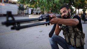 Lieferungen an Rebellen möglich: EU kippt Waffen-Embargo für Syrien
