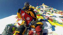Die Eroberung des Mount Everest: Vom einsamen Abenteuer zur Massenschlägerei