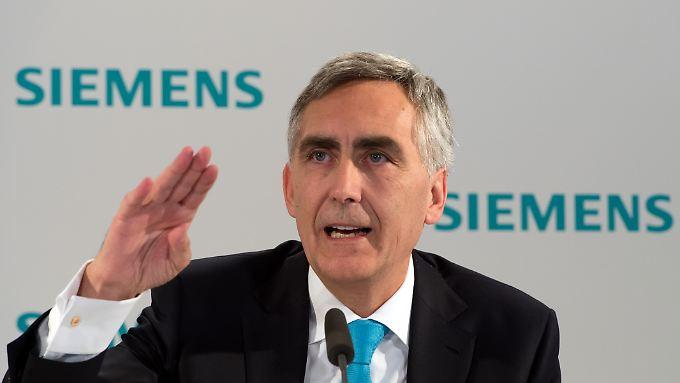 Wieder einmal muss Siemens-Chef Löscher die Erwartungen nach unten drücken. Das kommt nicht gut an.