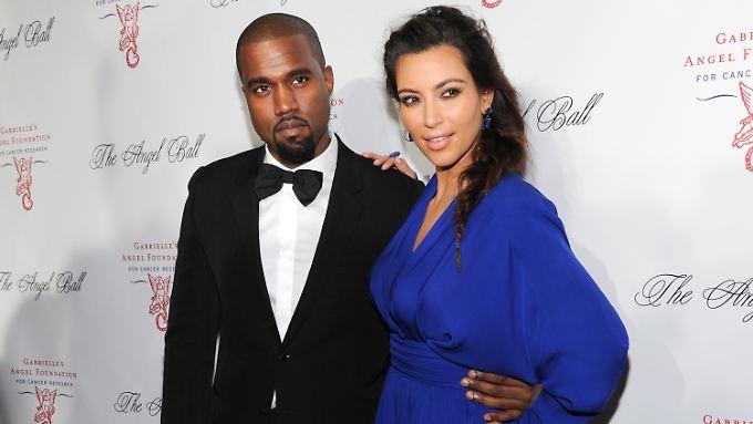 Kanye West und Kin Kardashian führen eine durch und durch öffentliche Beziehung.