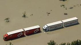 Hochwasser-Aufnahmen aus der Luft: Straßen und Wege sind nicht mehr zu erkennen