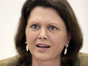 Bundesverbraucherministerin Ilse Aigner empört sich offenbar erst nach Auuforderung über Streetside