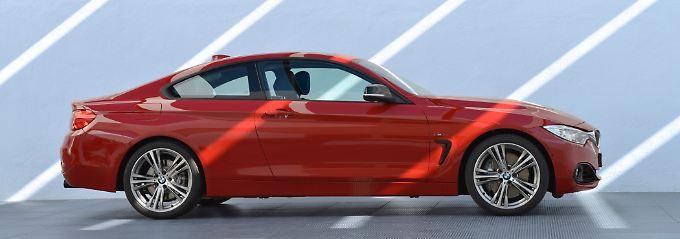 Mit dem elektrischen Gurtbringer macht sich der neue Vierer hervorragend als Altherrenauto.