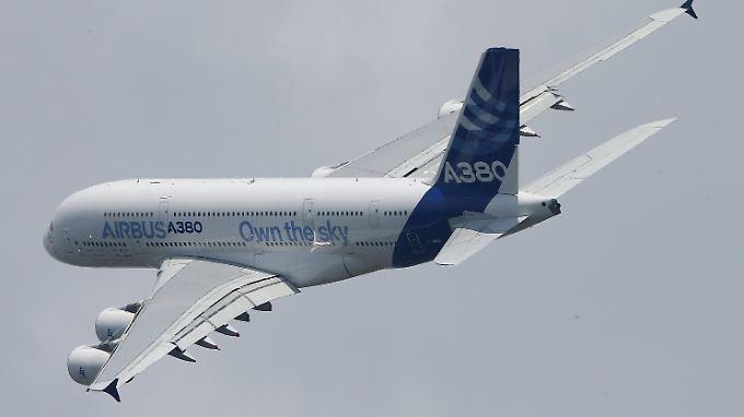 In der Luft eine Seltenheit: der Riesenflieger A380.