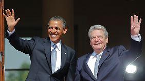 Barack Obama und Joachim Gauck zeigen sich den Fotografen.
