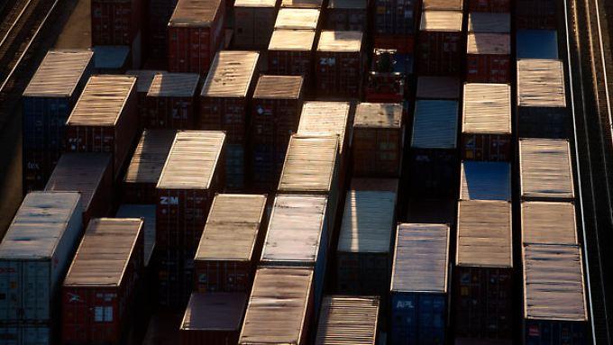 Container im Hamburger Hafen.