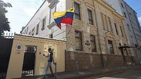 Möglicherweise findet Snowden in der ecuadorianischen Botschaft in Moskau Zuflucht.