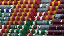 Der Börsen-Tag: Dollar drückt auf Öl- und Goldpreis