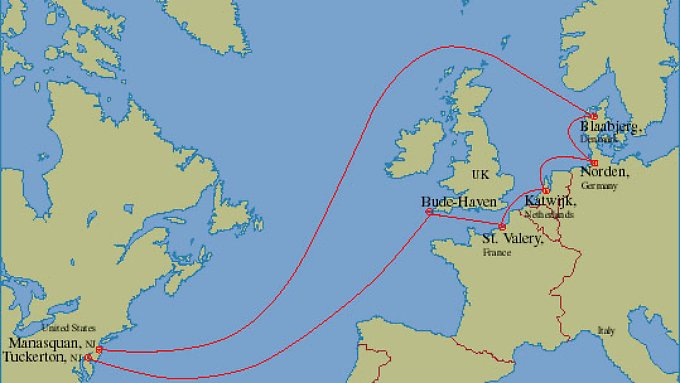 Nur eine der beiden TAT-14-Trassen führt über Großbritannien.