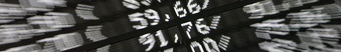 Der Börsen-Tag: Dax im Minus: Datenflaute entfesselt politische Märkte