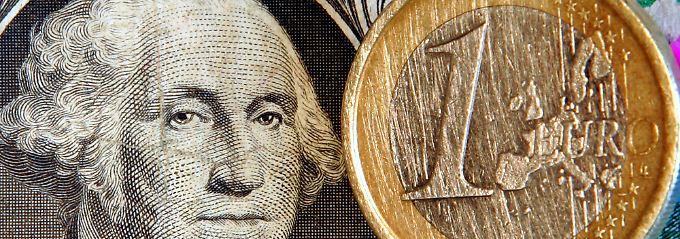 Alte und Neue Welt: Der Euro gibt deutlich nach.
