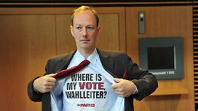 2009 blieb der Protest erfolglos, die PARTEI konnte nicht an der Bundestagswahl teilnehmen.