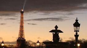 Ab eins wird's finster: In Paris gehen die Lichter aus