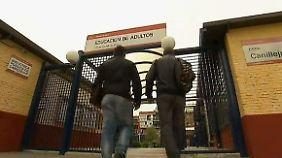 Zurück in die Schule: Arbeitslose Spanier machen ihren Abschluss nach