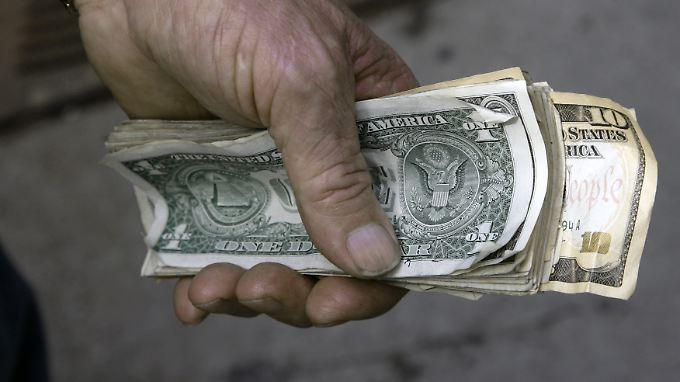 Der Dollar steht nach den Äußerungen von Fed-Chef Bernanke unter Abgabedruck.