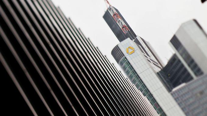 Laut einem Medienbericht hat die spanische Santander-Bank Interesse an der Commerzbank.