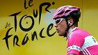 Der Fall Fuentes (2006): Einen Tag vor dem Start der Tour de France werden die Favoriten Jan Ullrich (T-Mobile) und Ivan Basso (CSC) von ihren Teams ausgeschlossen. Ihnen wird vorgeworfen, in den Skandal um den spanischen Dopingarzt Eufemiano Fuentes verwickelt zu sein. Dieser soll ein weltweites Dopingnetzwerk organisiert haben. Auch Leichtathleten und Fußballer werden mit dem Netzwerk in Verbindung gebracht. Im Rahmen einer Razzia waren am 23. Mai 2006 große Mengen an Blutbeuteln beschlagnahmt worden.