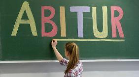Abi und weg: Ost-Abiturienten wollen in den Westen