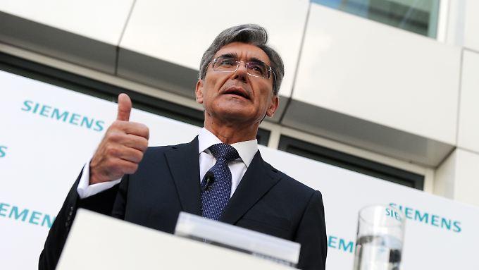 Daumen hoch: Der neue Siemens-Chef Joe Kaeser sieht optimistisch in die Zukunft.