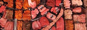 Ob Schwein, Rind oder Hähnchen: Fleisch sehen die meisten Deutschen gern auf dem Teller.