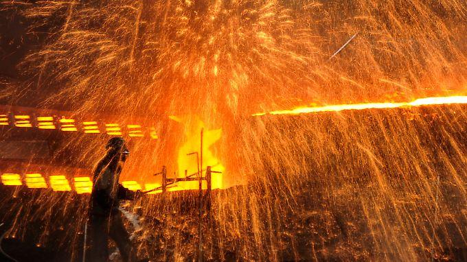 Die heißen Zeiten in der Stahlbranche sind erst einmal vorbei. 2014 soll es aber wieder aufwärts gehen - dank den Märkten in Nordamerika und Asien, wie die Stahlkonzerne hoffen.