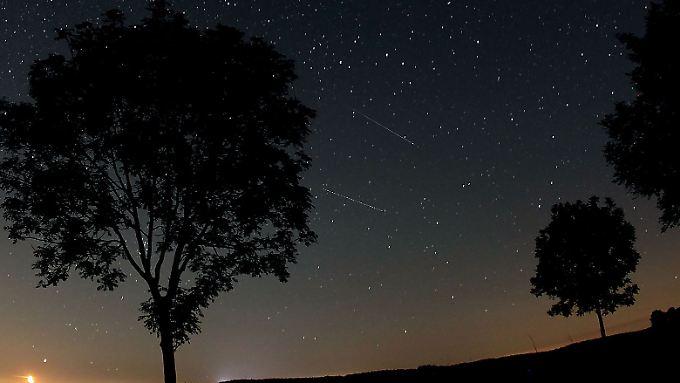 Jedes Jahr um dieselbe Zeit: Sternschnuppen der Perseiden im August 2012.