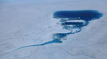 Ob das Eis taut, hängt auch davon ab, wie dick die Erdhülle darunter ist.