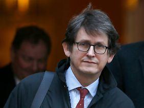 """Chefredakteur des """"Guardian"""" Alan Rusbridger nannte das Vorgehen der Geheimdienste """"bizarr""""."""