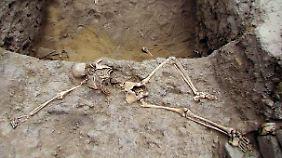 Die Überreste wurden in El Brujo, rund 570 Kilometer von Lima entfernt, entdeckt.