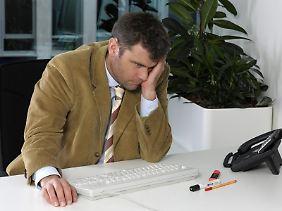 Berufstätige sollten sich nicht alles zu sehr zu Herzen nehmen: Wer einen gesunden Abstand zum Job behält, lebt gesünder - und ist erfolgreicher.