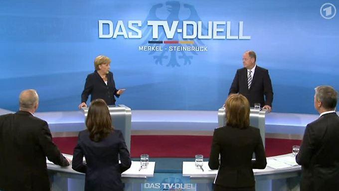 Merkel und Steinbrück schenken sich nichts.